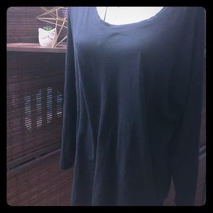 Everyday tee navy blue excellent condition